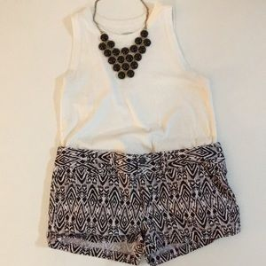 AMERICAN EAGLE DENIM SHORTS, BLACK & WHITE SIZE 2